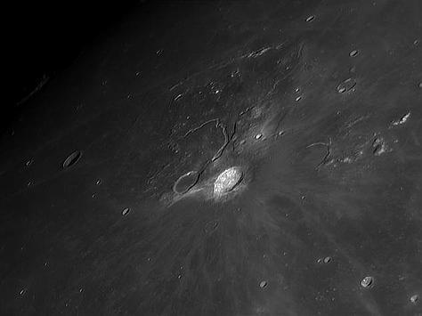 Krater Arystarch na Księżycu sfotografowany z pomocą dużego, 280 mm teleskopu konstrukcji SCT