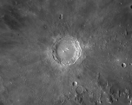 "Amatorska fotografia krateru ""Kopernik"" na Księżycu"
