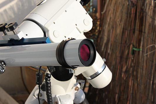 Teleskop słoneczny Lunt 35 skierowany na Słońce
