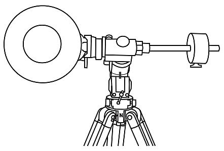 Przeciwwaga wyważa oś z teleskopem, dzięki czemu napęd może precyzyjnie prowadzić teleskop