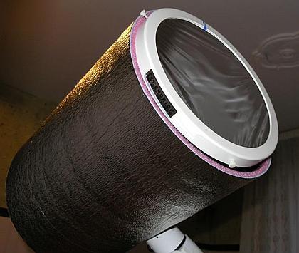 Tuba C11 z zamocowaną folią Astrosolar i matą ograniczającą nagrzewanie się tuby.