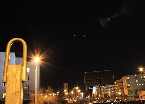 Wenus i Jowisz na nocnym niebie w Warszawie