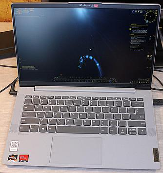 WoW on a 14 inch Lenovo laptop