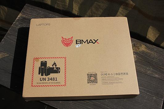 BMAX Y11 packaging