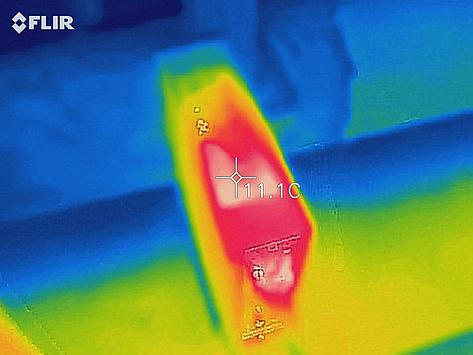 Thermal image of the top of the case outside of the window