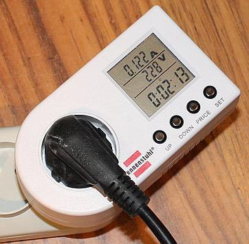 Measuring what the lab power supply draws from the AC side