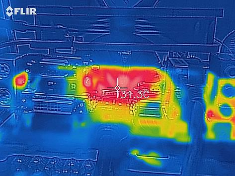 Thermal image of CPU under load with active fan on top