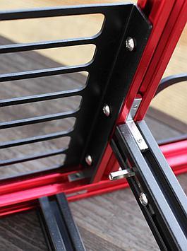 PCIe bracket and corner brackets